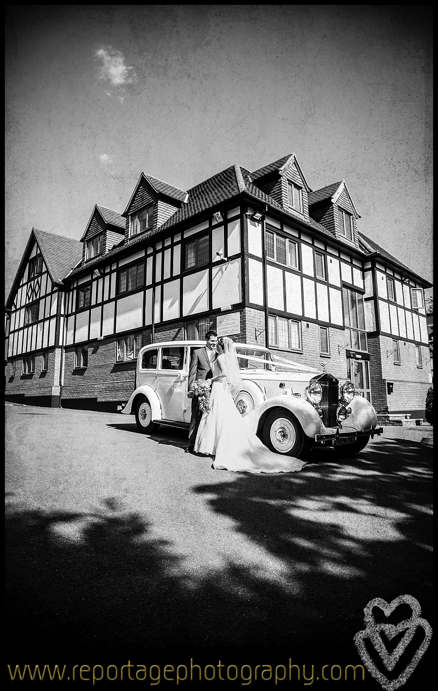 Vintage car and wedding at De Rougemont Manor